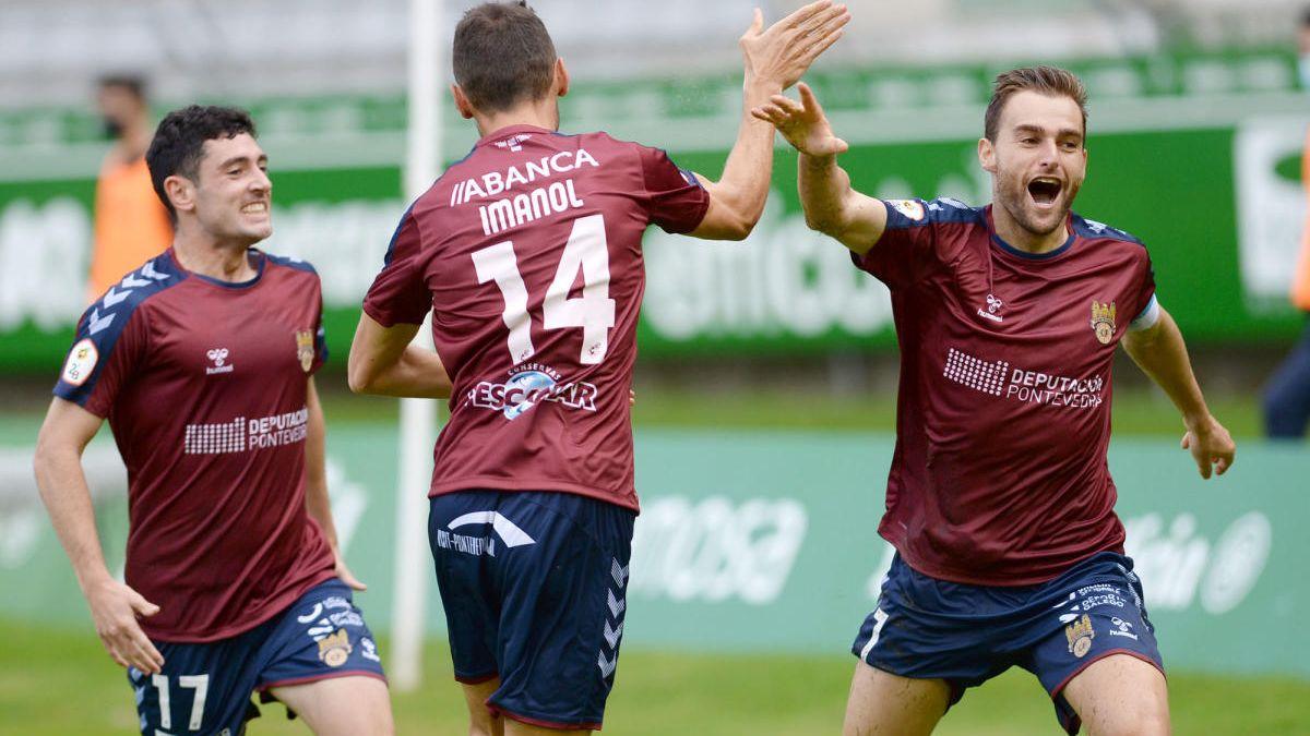 Alex González, Oier e Imanol celebrando o gol ante o Racing de Ferrol