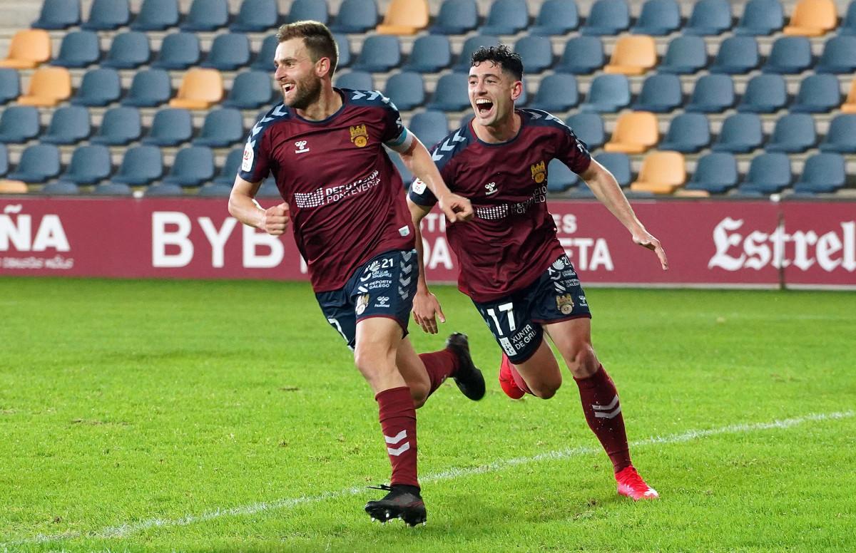 Alex González celebrando su gol ante el FC Cartagena